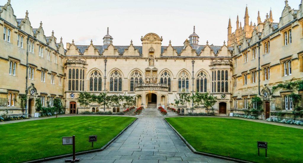 İngiltere'de Mühendislik Eğitimi Almak