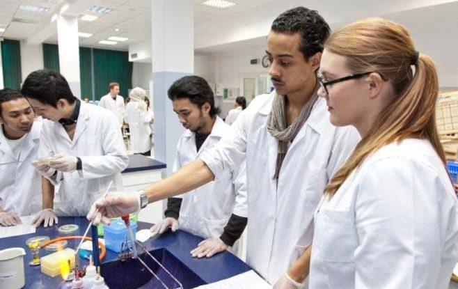 Varşova-Tıp-Üniversitesi-4