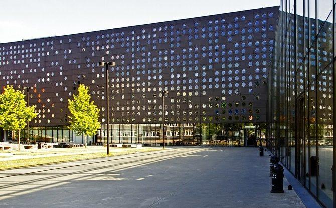 Wroclaw-Bilim-ve-Teknoloji-Üniversitesi-2